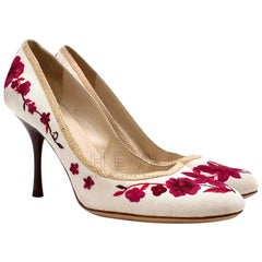 Gucci Floral Embroidered Canvas Round Toe Pumps - Size EU 40