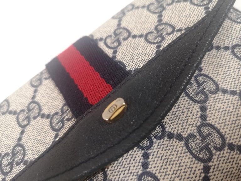 Gucci GG blu passport case For Sale 4