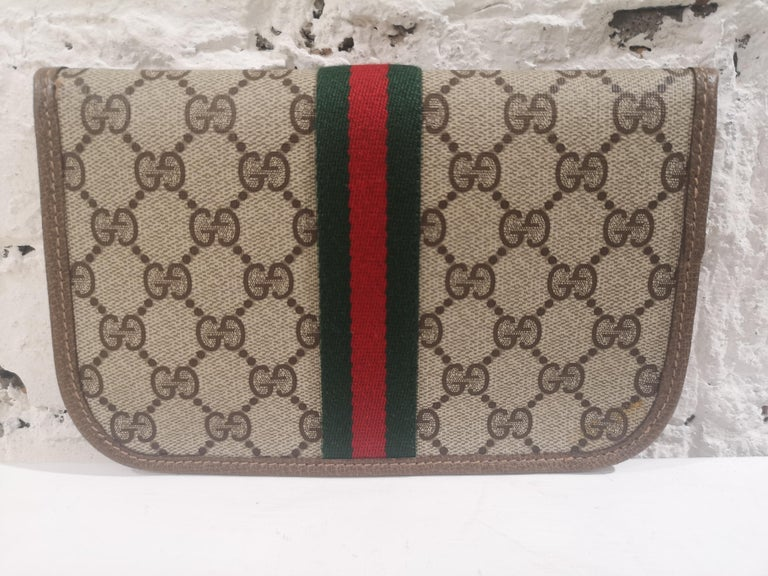 Gucci GG Brown passport case For Sale 1