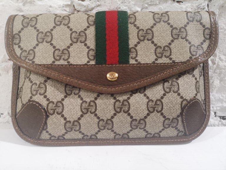 Gucci GG Brown passport case For Sale 2