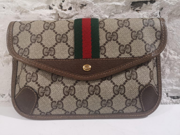 Gucci GG Brown passport case For Sale 3