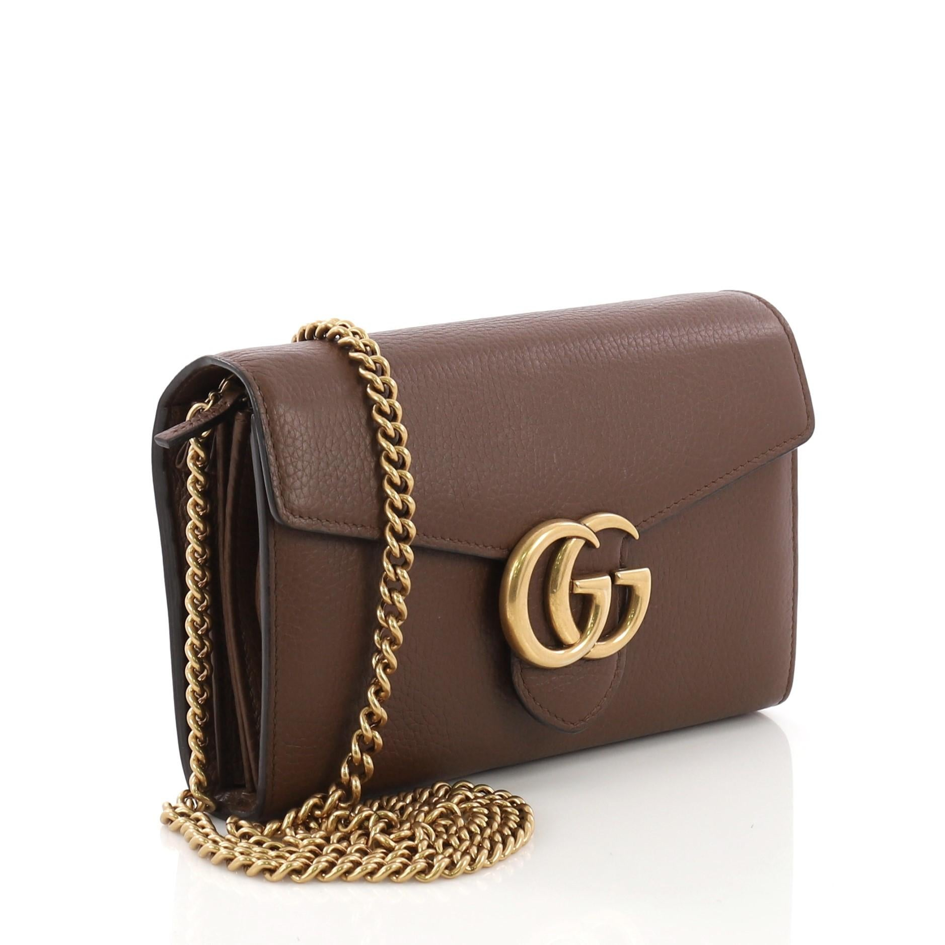 e9a2c0abb1dc Gucci GG Marmont Chain Wallet Leather Mini For Sale at 1stdibs