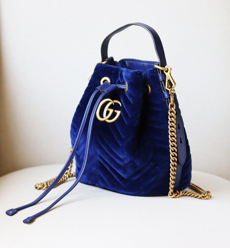 Black Gucci GG Marmont Leather-Trimmed Quilted-Velvet Bucket Bag For Sale