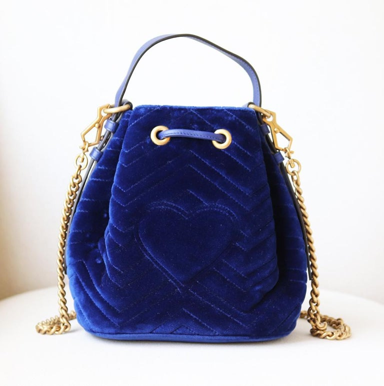 Women's Gucci GG Marmont Leather-Trimmed Quilted-Velvet Bucket Bag For Sale