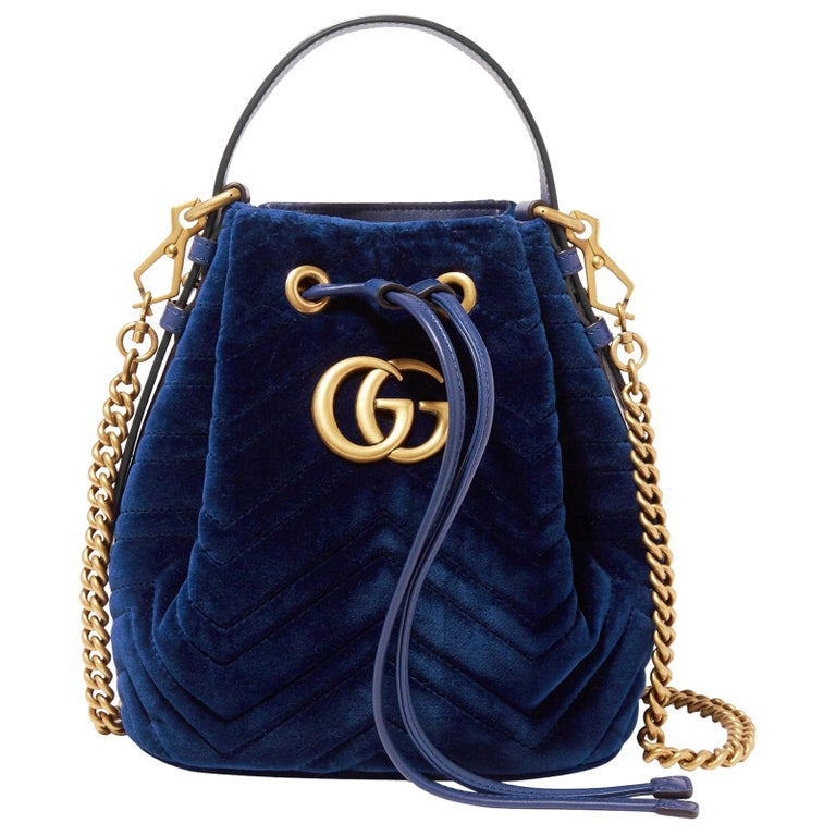 Gucci GG Marmont Leather-Trimmed Quilted-Velvet Bucket Bag For Sale