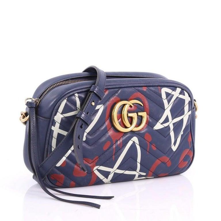 420a088ec5474 Gucci GG Marmont Umhängetasche GucciGhost Matelasse Leder klein bei ...