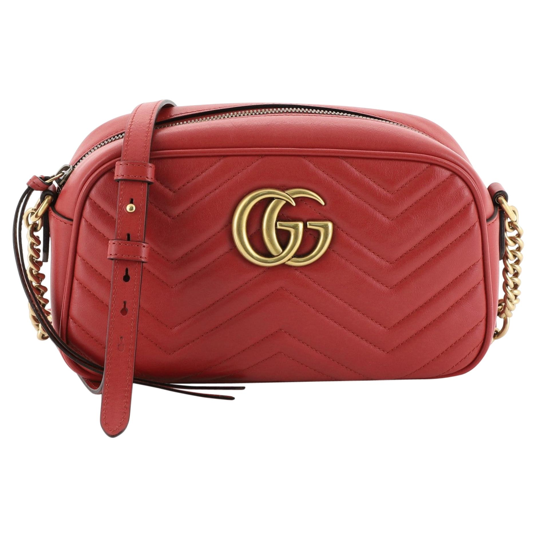 d7d7afb5f12 Vintage Gucci Handbags and Purses - 2,479 For Sale at 1stdibs