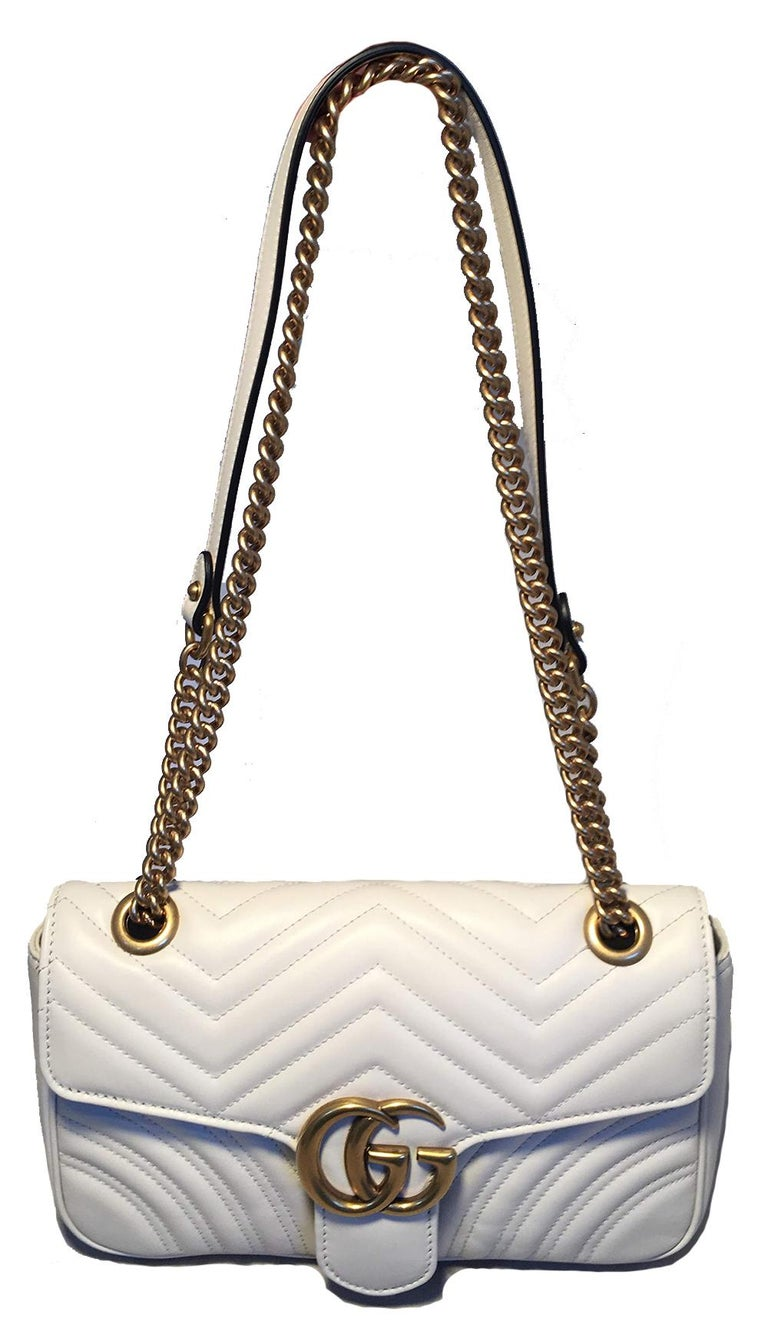3d1bfb8487e Gucci GG Marmont Small Matelassé White Leather Shoulder Bag in excellent  condition. White quilted leather