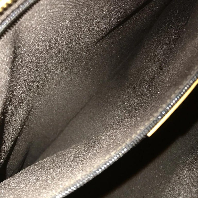 Gucci GG Monogram Canvas Messenger Bag (Tom Ford) For Sale 5