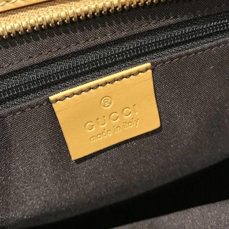 Gucci GG Monogram Canvas Messenger Bag (Tom Ford) For Sale 4