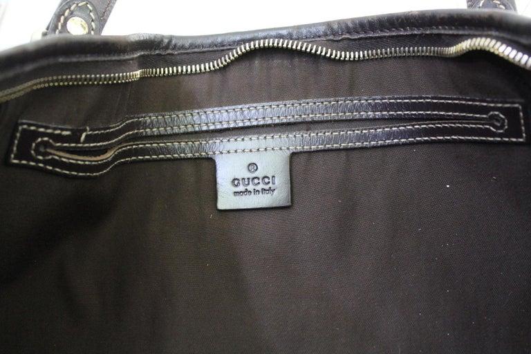 Women's Gucci GG Supreme Canvas Crossbody/Shoulder Bag For Sale