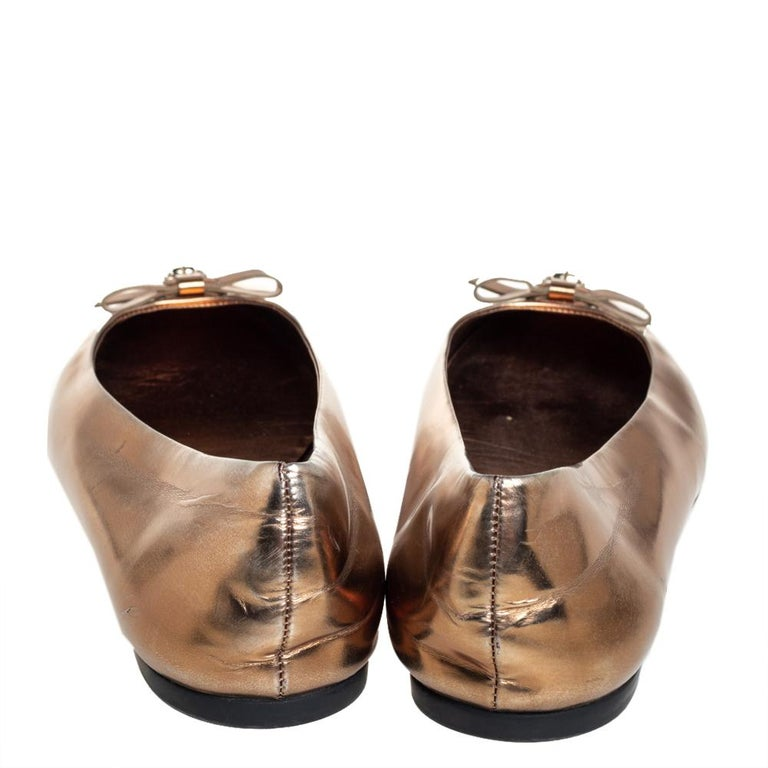 Gucci Gold Leather Slip on Bow Ballet Flats Size 39 For Sale 2