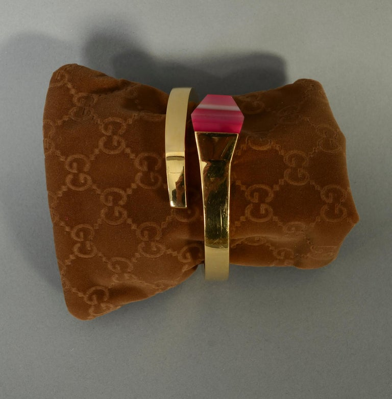 Uncut Gucci Gold Nail Bracelet with Pink Agate For Sale