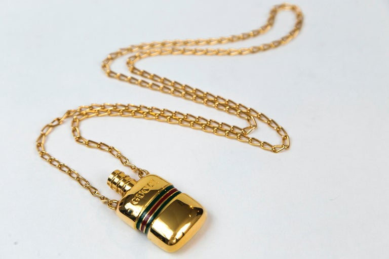 Gucci Gold Perfume Necklace In Good Condition For Sale In Norwalk, CT