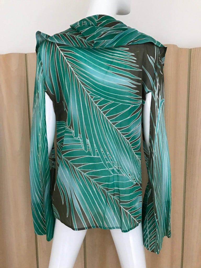Gucci Green Cotton Leaf Print Long Sleeve Blouse For Sale 2