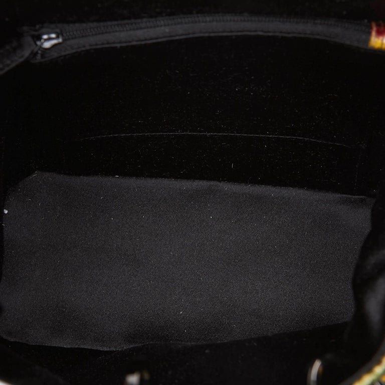ad39f40554ddfd Women's Gucci Green Graphic Print Velour Handbag For Sale