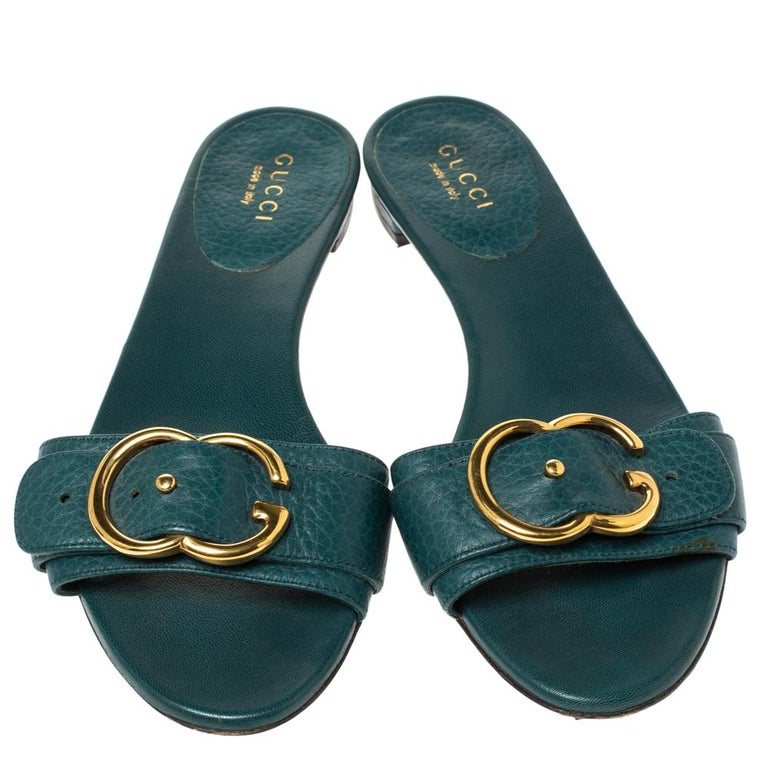 Black Gucci Green Leather Sachalin Buckle Detail Flat Slides Size 35.5 For Sale