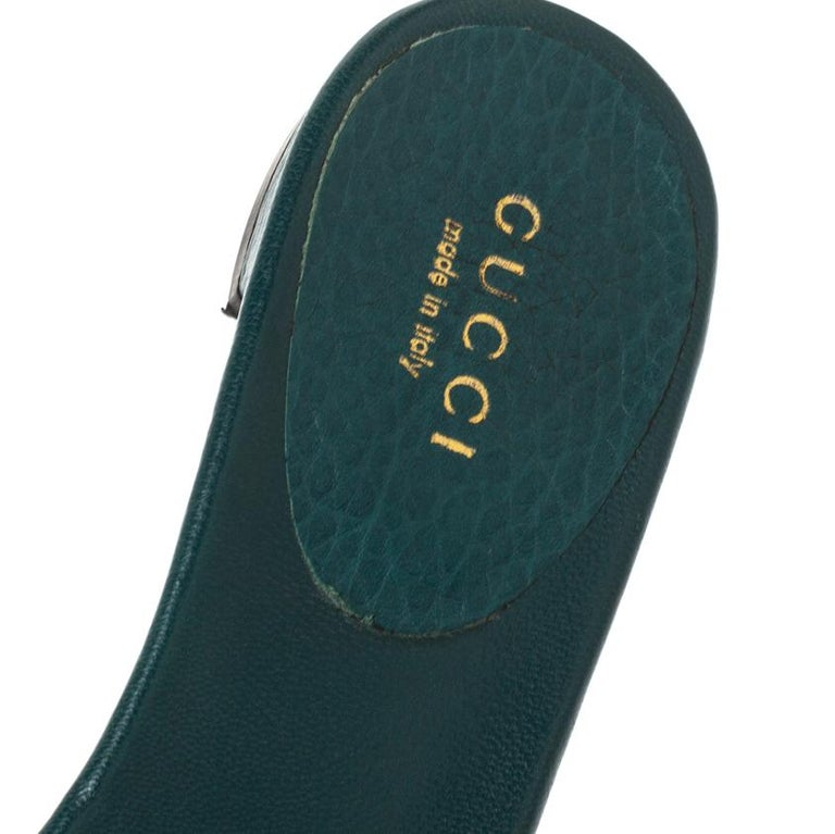 Women's Gucci Green Leather Sachalin Buckle Detail Flat Slides Size 35.5 For Sale