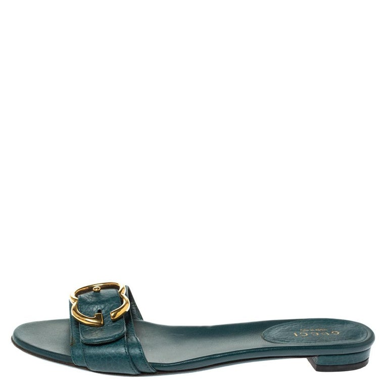Gucci Green Leather Sachalin Buckle Detail Flat Slides Size 35.5 For Sale 1