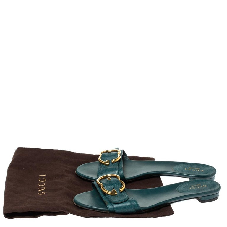 Gucci Green Leather Sachalin Buckle Detail Flat Slides Size 35.5 For Sale 3
