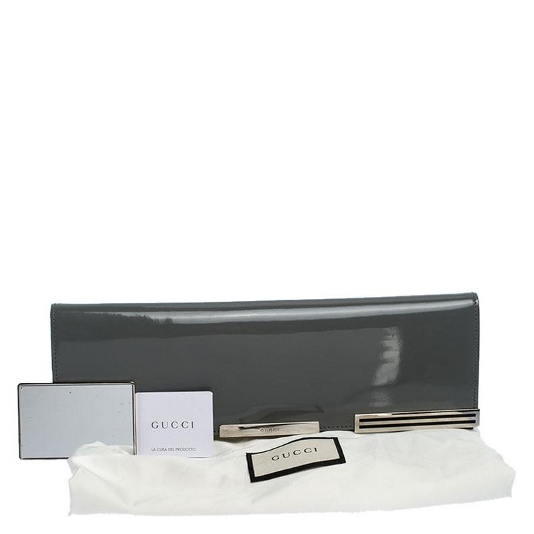 Gucci Grey Patent Leather Sigrid Flap Clutch For Sale 8