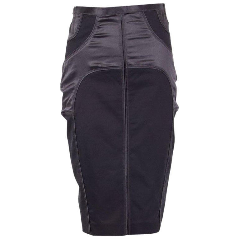 GUCCI grey SATIN PANELED PENCIL Skirt 42 M For Sale