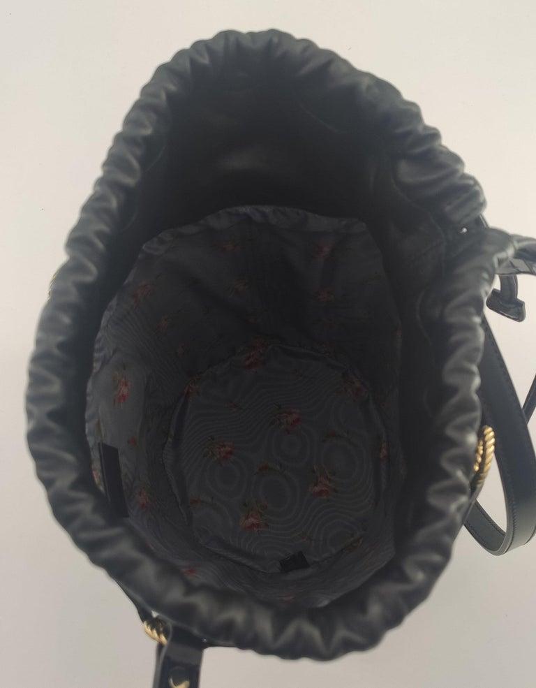 Women's GUCCI Horsebit Shoulder bag in Black Leather For Sale