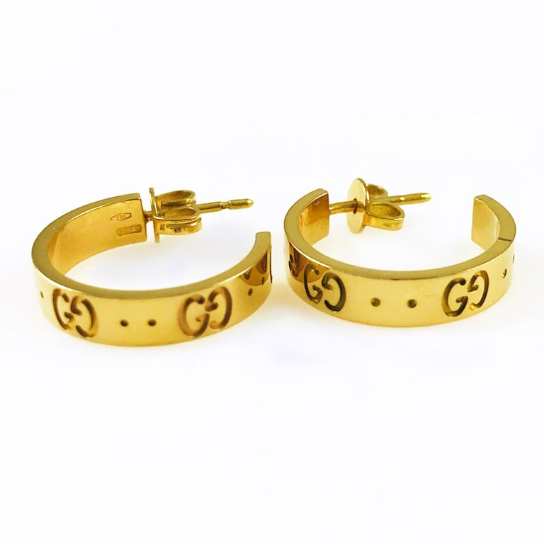 9e0b4455c Gucci Icon 18 Karat Gold Small Hoops Earrings For Sale at 1stdibs