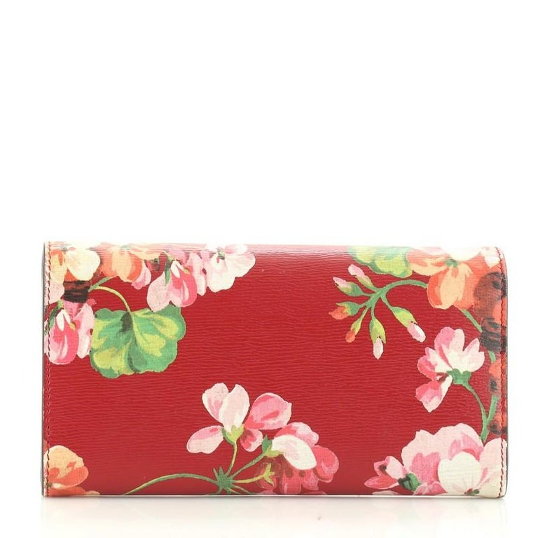Gucci Icon Continental Wallet Blooms Print Leather In Good Condition For Sale In New York, NY