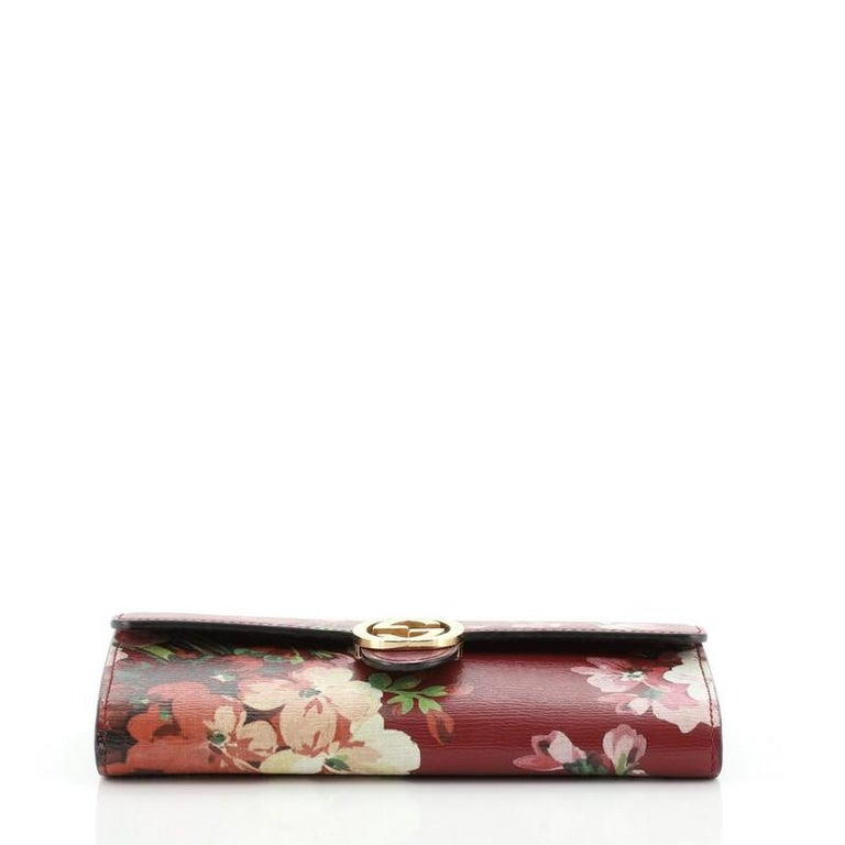 Gucci Icon Continental Wallet Blooms Print Leather In Good Condition In New York, NY