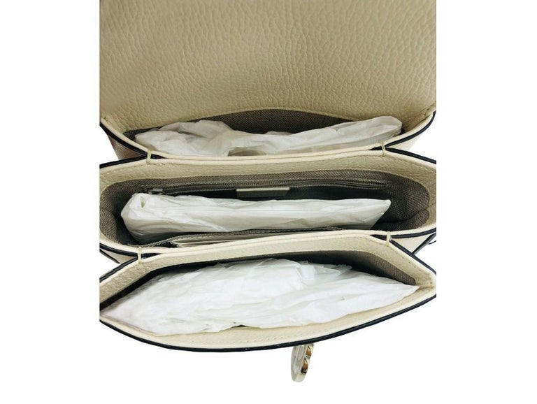 Women's or Men's Gucci Interlocking GG Small Crossbody Bag-Cream leather-  New For Sale
