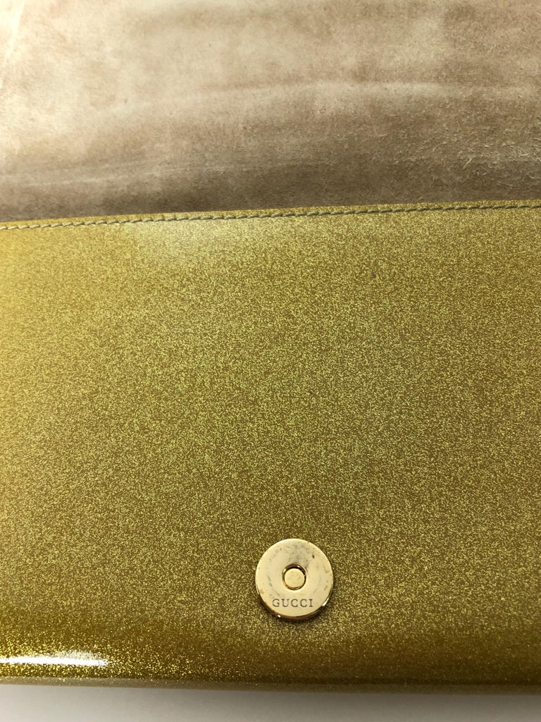 Gucci Iridescent Gold Patent Leather Elongated Clutch with Gold Metal Accents For Sale 10