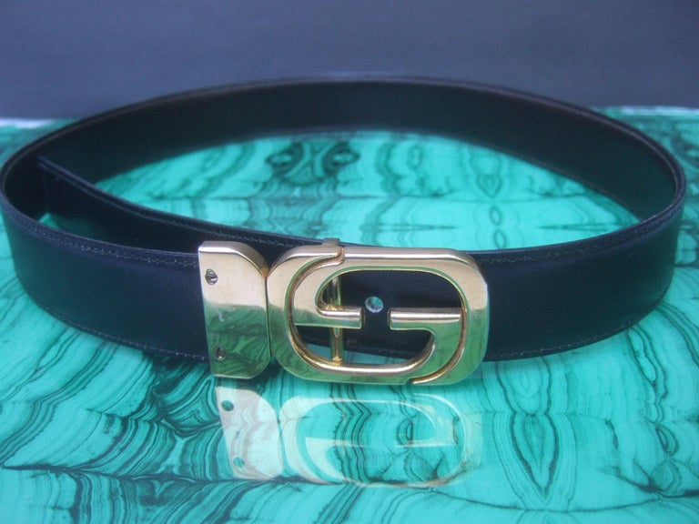 Women's or Men's Gucci Italy Black & Brown Reversible Leather Unisex Belt c 1980s For Sale