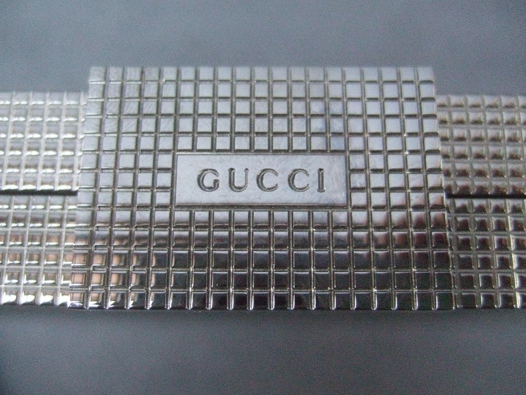 Gucci Italy Sleek Silver Metal Minaudière Wristlet Clutch Tom Ford Era c 1990s In Good Condition For Sale In Santa Barbara, CA