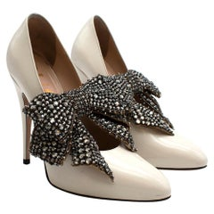 Gucci Ivory Glossed Pumps with Crystal Bow Embellishment 35.5