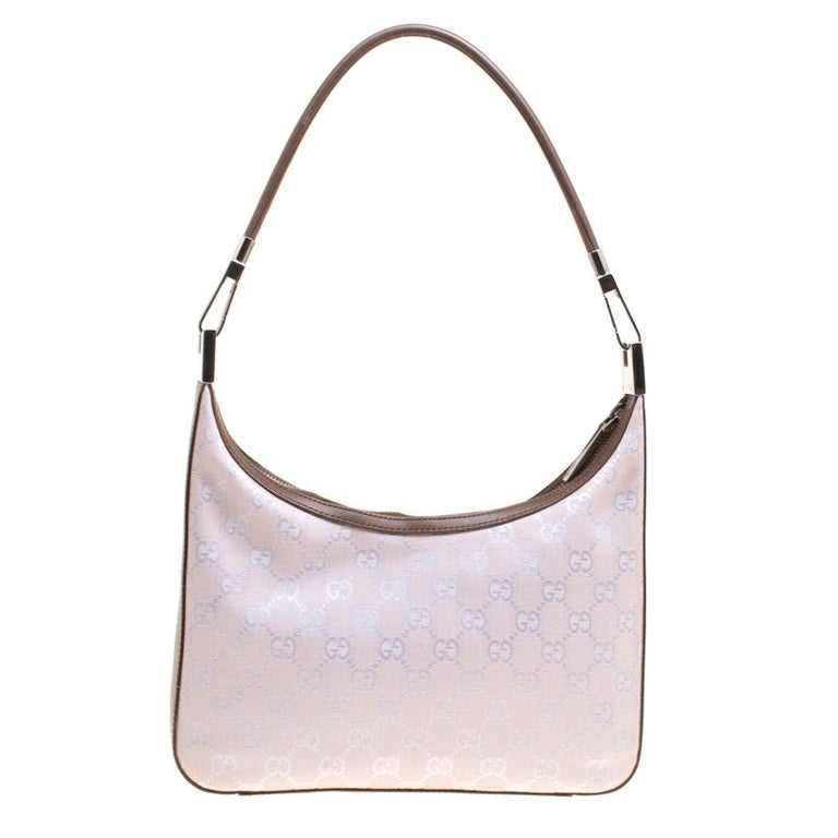 adad59fd5e6b It is rare to find a piece as gorgeous as this Gucci shoulder bag. It