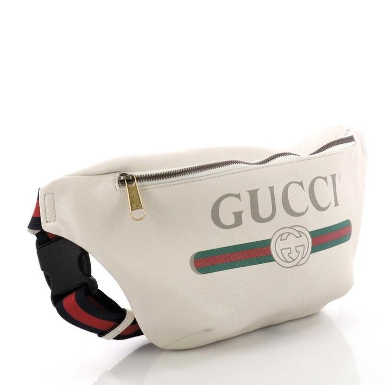 e673b0f0497d37 Beige Gucci Logo Belt Bag Printed Leather Small For Sale