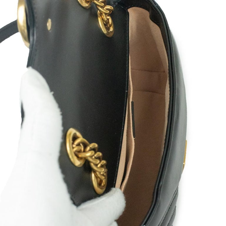 Women's Gucci Marmont in black leather For Sale