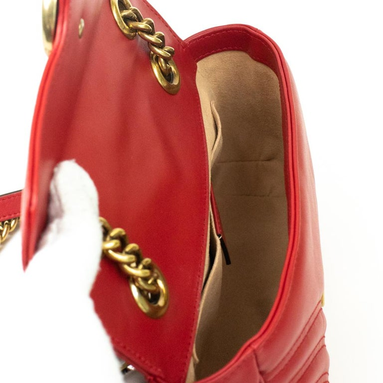 Women's Gucci Marmont in red leather For Sale