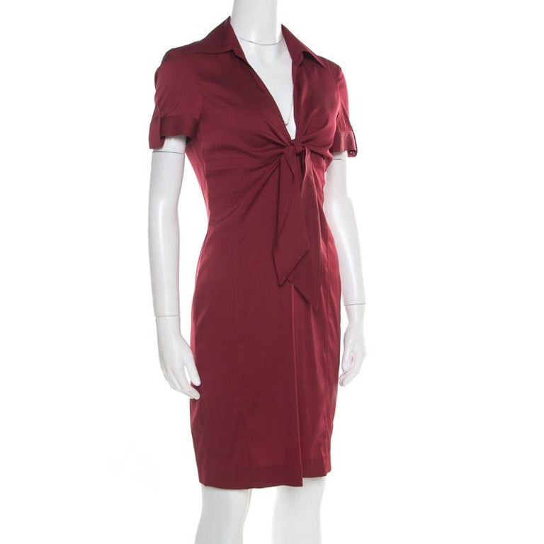 Gucci Maroon Front Tie Detail Short Sleeve Dress M In Good Condition For Sale In Dubai, Al Qouz 2
