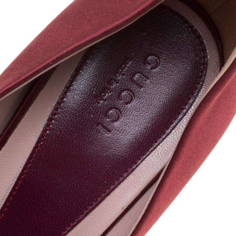 Gucci Maroon Satin Lili Peep Toe Platform Pumps Size 38 For Sale 1