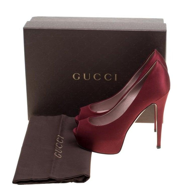 Gucci Maroon Satin Lili Peep Toe Platform Pumps Size 38 For Sale 3