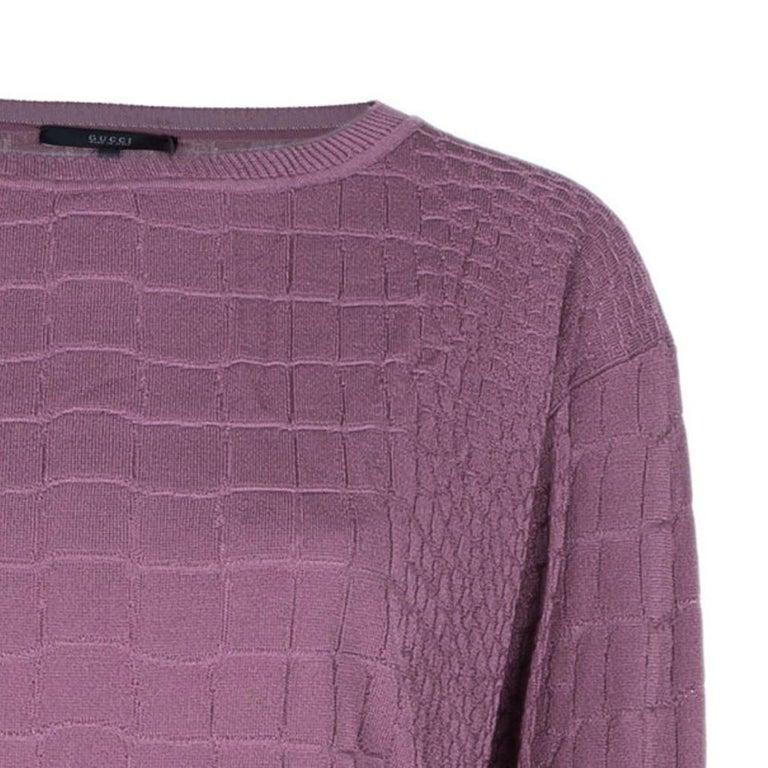 Gucci Mauve Textured Knit Top M In New Condition For Sale In Dubai, Al Qouz 2