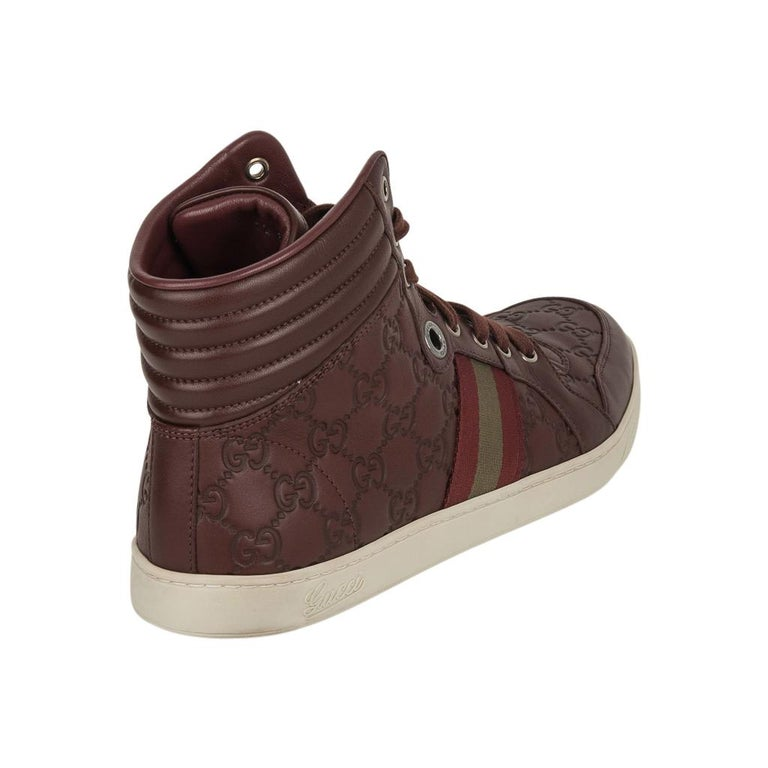 Gucci Men's Leather Logo Embossed High Top Sneakers 9G / 10.5 USA In Good Condition For Sale In Miami, FL