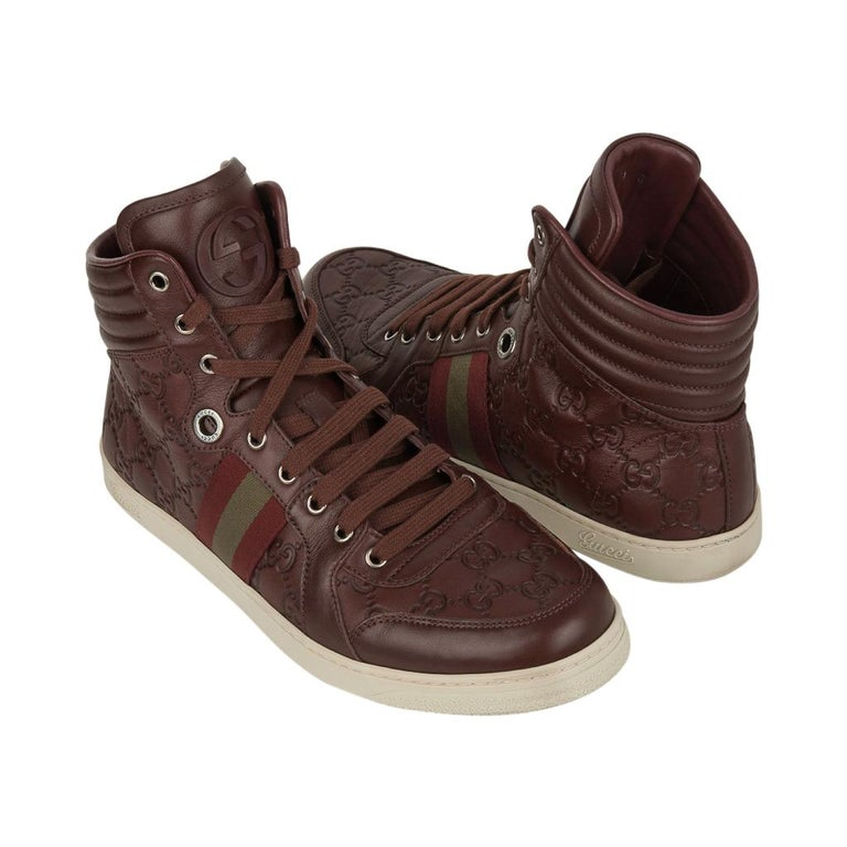Gucci Men's Leather Logo Embossed High Top Sneakers 9G / 10.5 USA For Sale 5