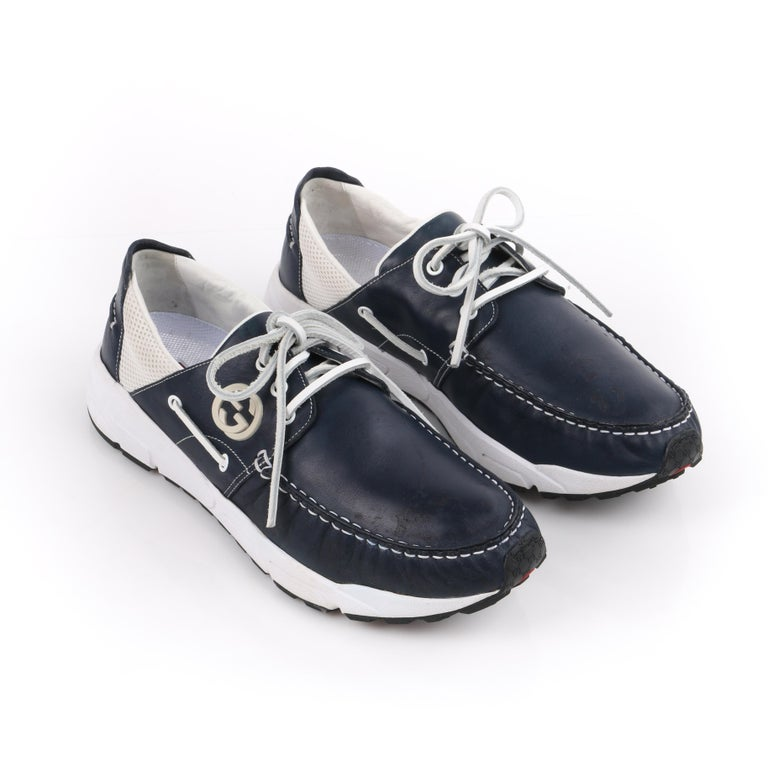 GUCCI Men's Leather Rubber Sole Lace Up Low Top Athletic Boat Shoes  In Good Condition For Sale In Thiensville, WI