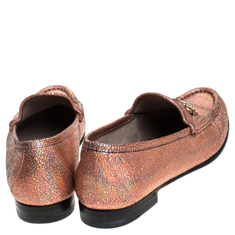 Brown Gucci Metallic Bronze Textured Leather Horsebit Slip On Loafers Size 36.5 For Sale