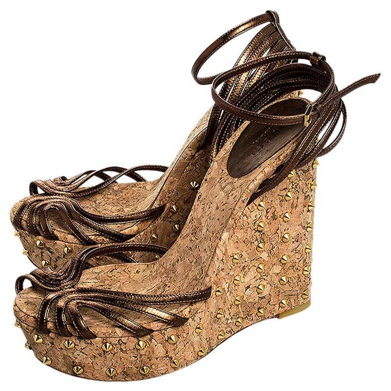 Women's Gucci Metallic Brown Leather Studded Cork Wedge Platform Sandals Size 38 For Sale