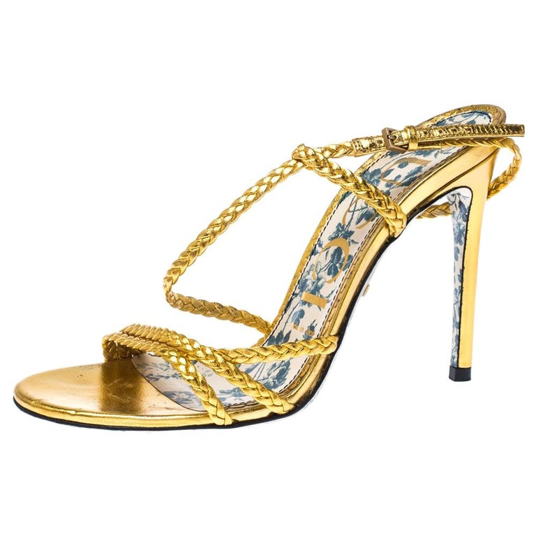 Gucci Metallic Gold Leather Haines Braided Slingback Sandals Size 37 For Sale