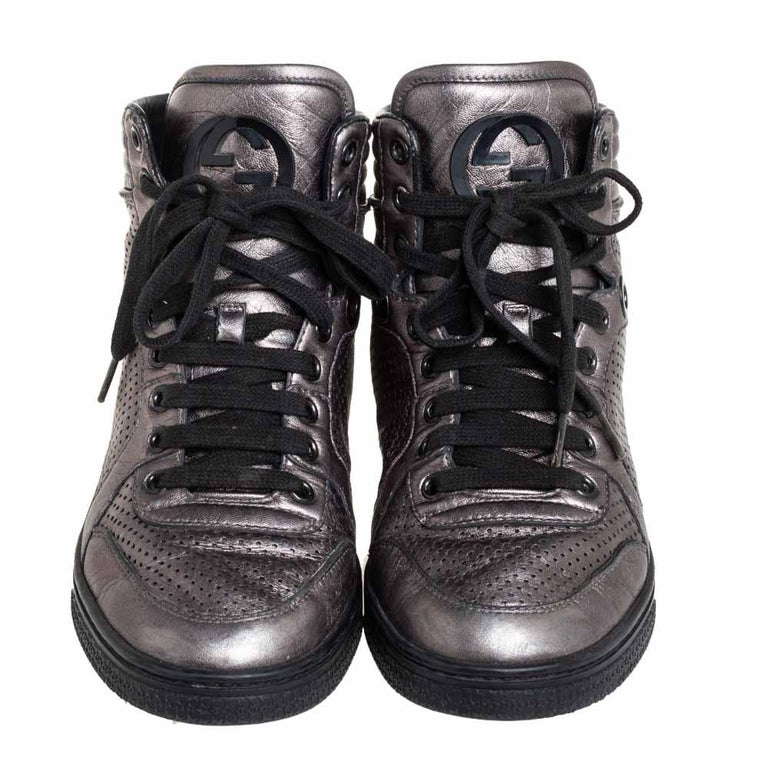 Gucci Metallic Grey Leather High-Top Sneakers Size 37 In Good Condition For Sale In Dubai, Al Qouz 2